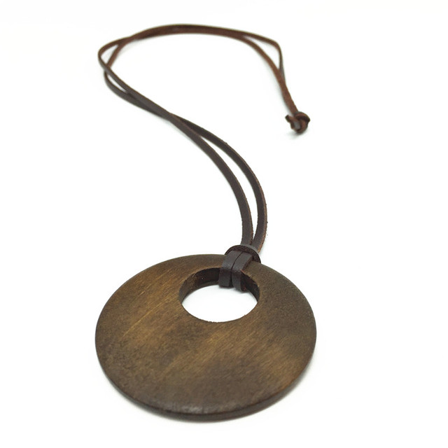 Nueva manera hechos a mano larga Vintage PU pulse madera colgantes collares para mujeres hombres accesorio de la joyería 2016
