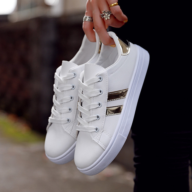 Hot Girl Casual Students Shoes Sneakers 2018 New White Canvas Shoes Female Spring Summer Breathable Students Walking Shoes Women стоимость