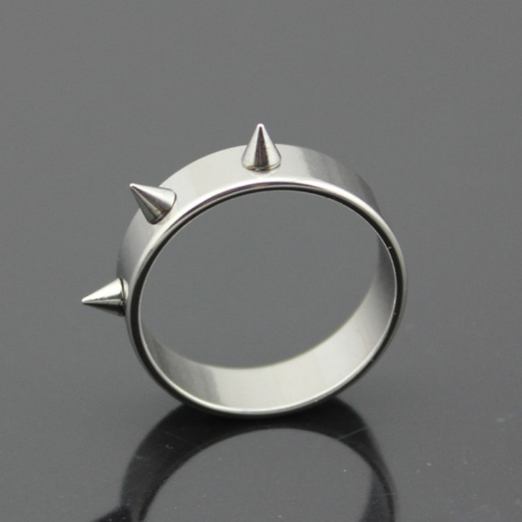 Hot Sale Titanium Stainless Steel Man Rings Punk Spike Rivet Cone Coyotes Womens Ring Jewelry