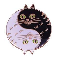 Artemis Luna Enamel Pin Cute Yin Yang Kucing Lencana Sailor Moon Terinspirasi Anime Bros Guardian Hadiah(China)