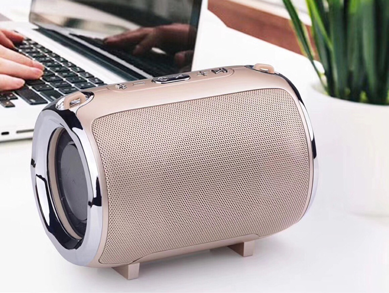 Image 4 - New S518 music mini subwoofer plug in card wireless bluetooth speaker with radio function  music player Boom box sound system wi-in Subwoofer from Consumer Electronics
