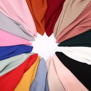 Image 2 - Novas Mulheres Sólidos Plain Crepe Chiffon Xailes Muçulmano Hijab Scarf Wraps Macio Dobra Chiffon Cachecóis Lenços Hijabs 10 pçs/lote