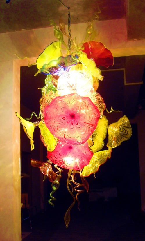 Luces LED colgantes y candelabro grandes de lujo con placas de cristal Murano de flores para Hotel