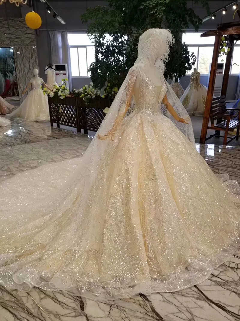 LSS340 tank style wedding dress with hood deep square neck sleeveless sparkly newest wedding dresses champagne with hat veil