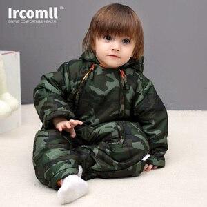 Image 5 - Ircomll 2019 יילוד תינוק Rompers חורף עבה חם ילד תינוק בנות בני תינוקות בגדי Camo פרח סלעית סרבל ילדים להאריך ימים יותר