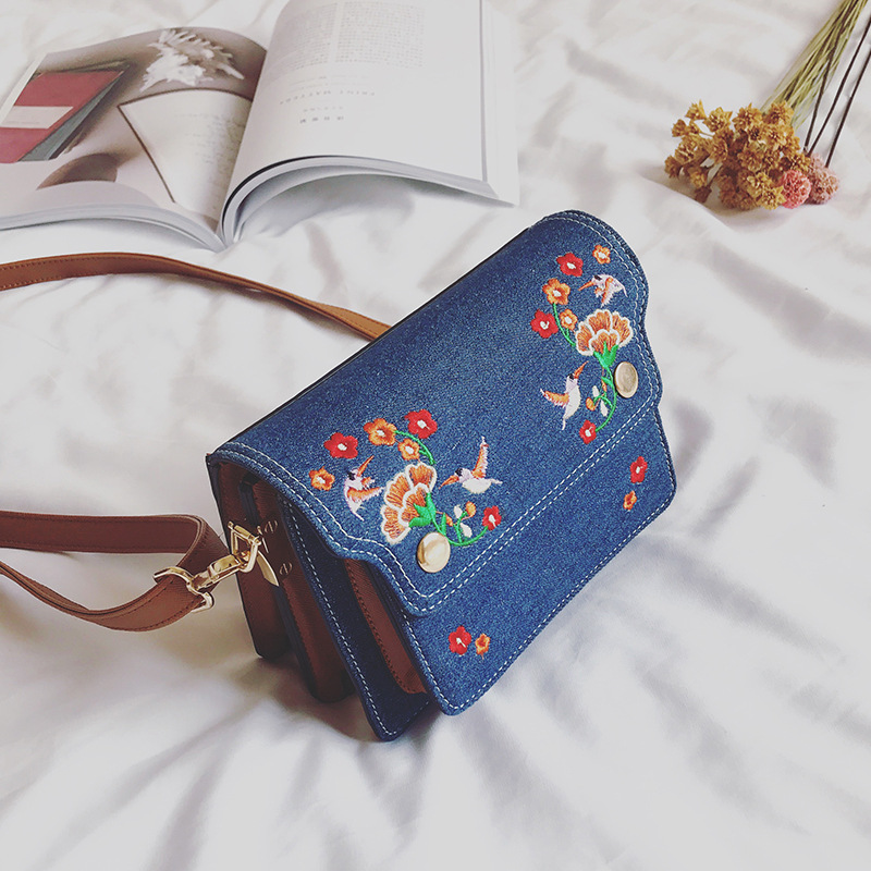 Lavimos Fashion Flap Spring And Summer  Women Denim Crossbody Bags Embroidery Handbags Casual Shoulder Bags Vintage Demin Blue 2017 spring new women sweet floral embroidery pastoralism denim jeans pockets ankle length pants ladies casual trouse top118