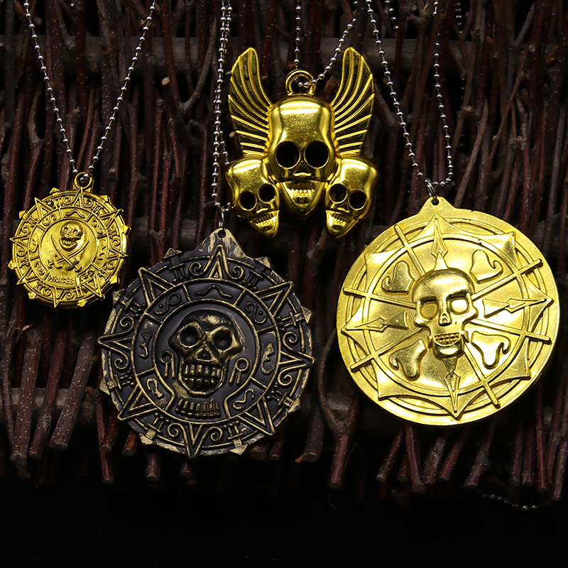 Pirate Prop Toys Ball Funny Pirate Skeleton Head Tag Gold Necklace Bead Decorate Product(China)