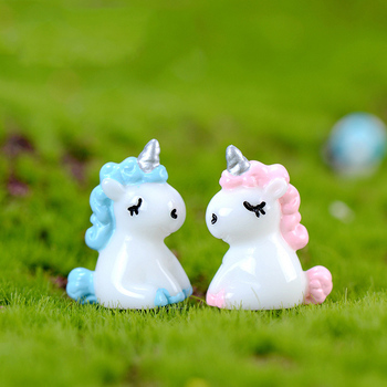ZOCDOU 1 Piece Mysterious Blue Unicorn Legend Fly Horse Small Resin Figurine Crafts DIY Story House Dream Home Ornament Deco image