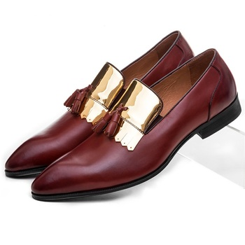 Fashion Black / Wine Red Loafer Mens Wedding Shoes Genuine Leather Dress Shoes Male Prom Shoes With Tassel