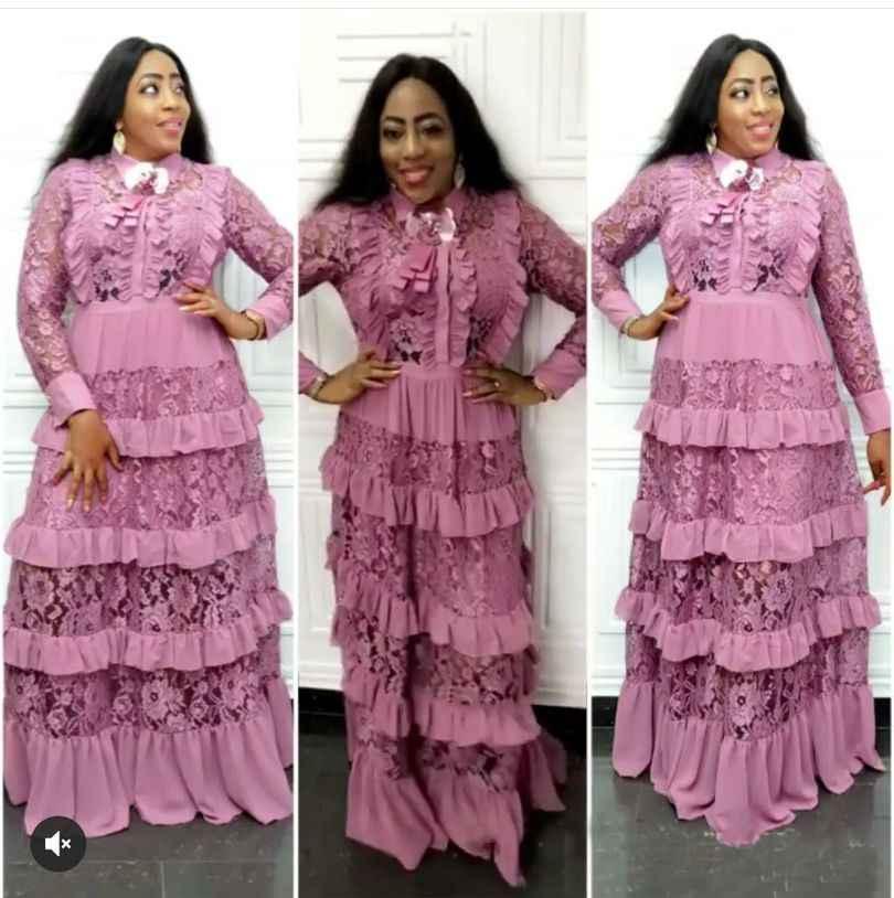 2019 Alla Moda Del Merletto del collare del vestito lungo del manicotto delle increspature del merletto di cucitura multi-strato della torta abito lungo con spilla vestito lungo l-2XL