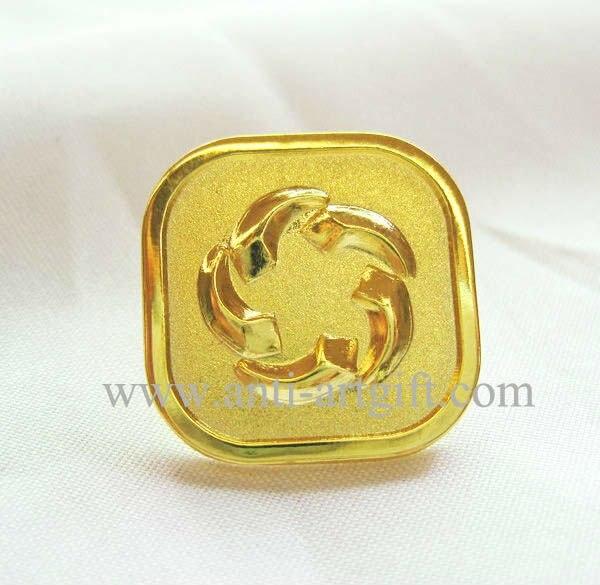 Изготовленный На Заказ 3D мягкий Нагрудный значок покрытый эмалью значки золото полированный 20 мм Пескоструйный Металл Золотое покрытие без MOQ бесплатный дизайн