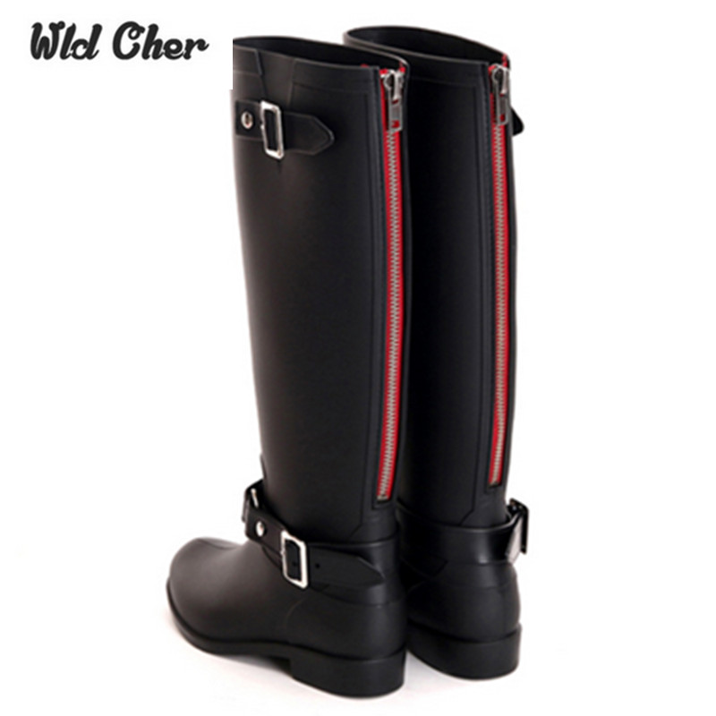 ФОТО Charming Punk Style Zipper Tall Boots women's Pure Color Rain Boots Outdoor Rubber Water Shoes For Female 36-41 Plus Size