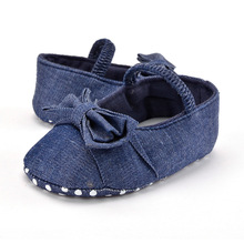 Baby girl обувь, ковбой синий с бантом мягкое дно Не скользит, детей bebes новорожденных обувь