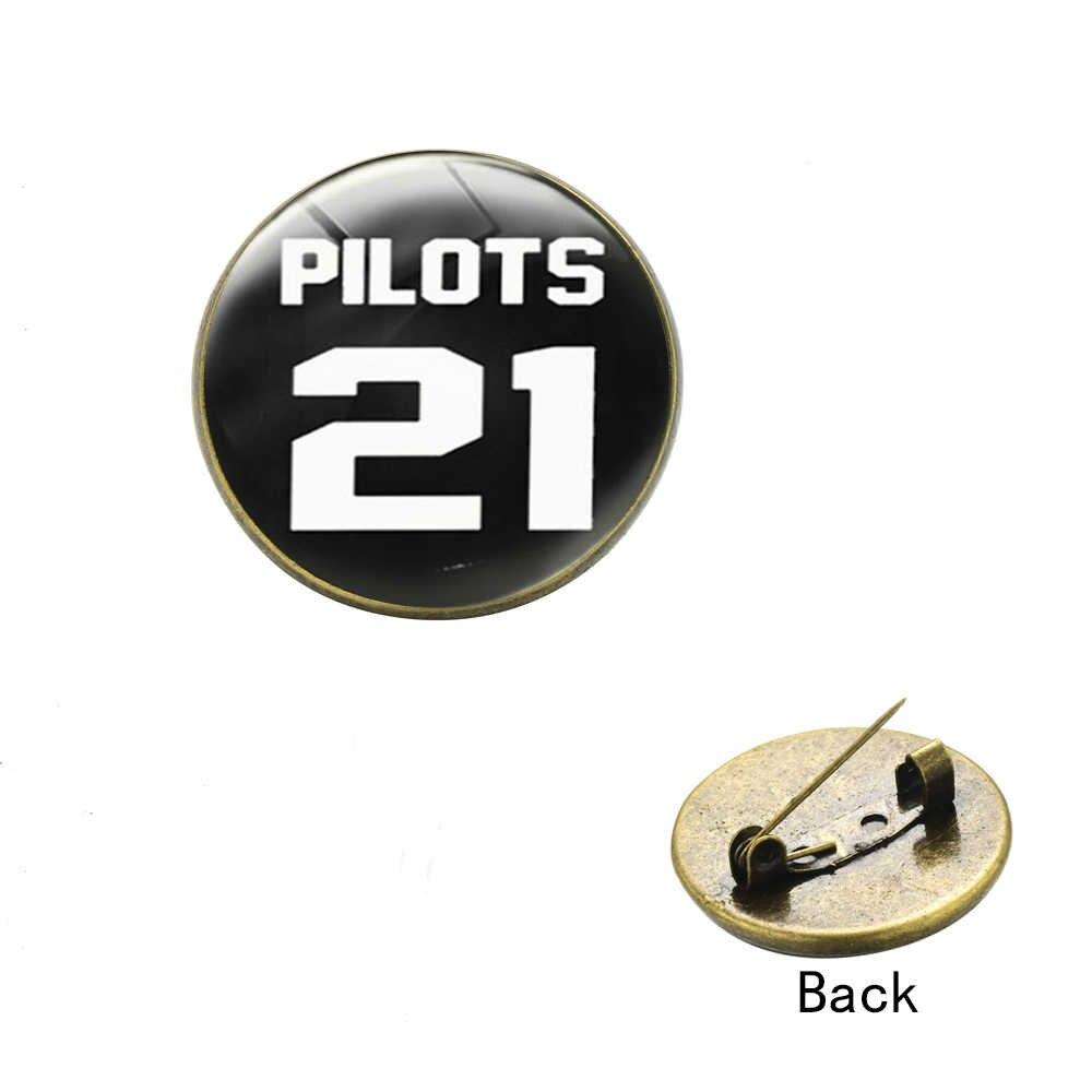 Songda Hipster Dua Puluh Satu Pilot Bros Steampunk Perunggu Berlapis Logo Bulat Kaca Foto Dome Kerah Pin Lencana untuk Para Penggemar hadiah