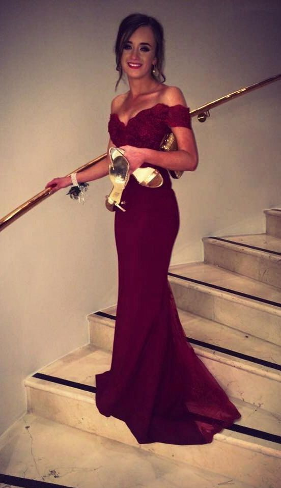 2017 Off the Shoulder Burgundy Mermaid Prom Dresses Graduation Party Gowns  Long Lace Applique Evening Dresses soiree-in Prom Dresses from Weddings    Events ... 3b8bd9d3e