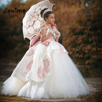 Ivory Princess Pageant Dresses For Girls Flower Girl Dresses Ball Gown First Communion Dresses with Embroidery Custom Made 2018