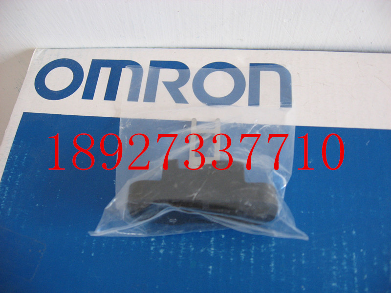 [ZOB] Supply of new original omron safety door switch D4DS-K5 factory outlets  --5PCS/LOT [zob] supply of new original omron omron photoelectric switch e3z t61a 2m factory outlets 2pcs lot