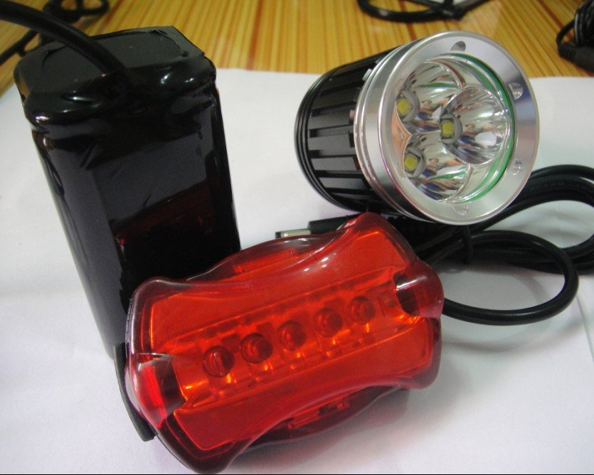 Free Shipping Cheap 4000 Lumens 3x CREE XML XM-L T6 LED Bicycle Bike HeadLamp HeadLight Rechargeable 6400mAh Battery Rear light