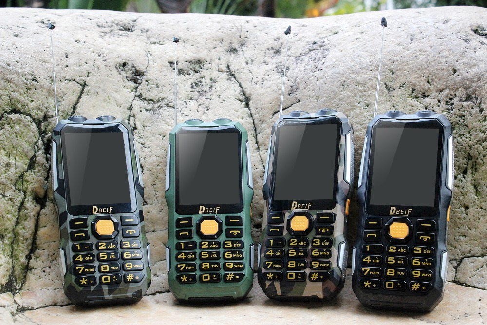 DBEIF D2016 Dual Sim Cellphone Flashlight Big Voice Big