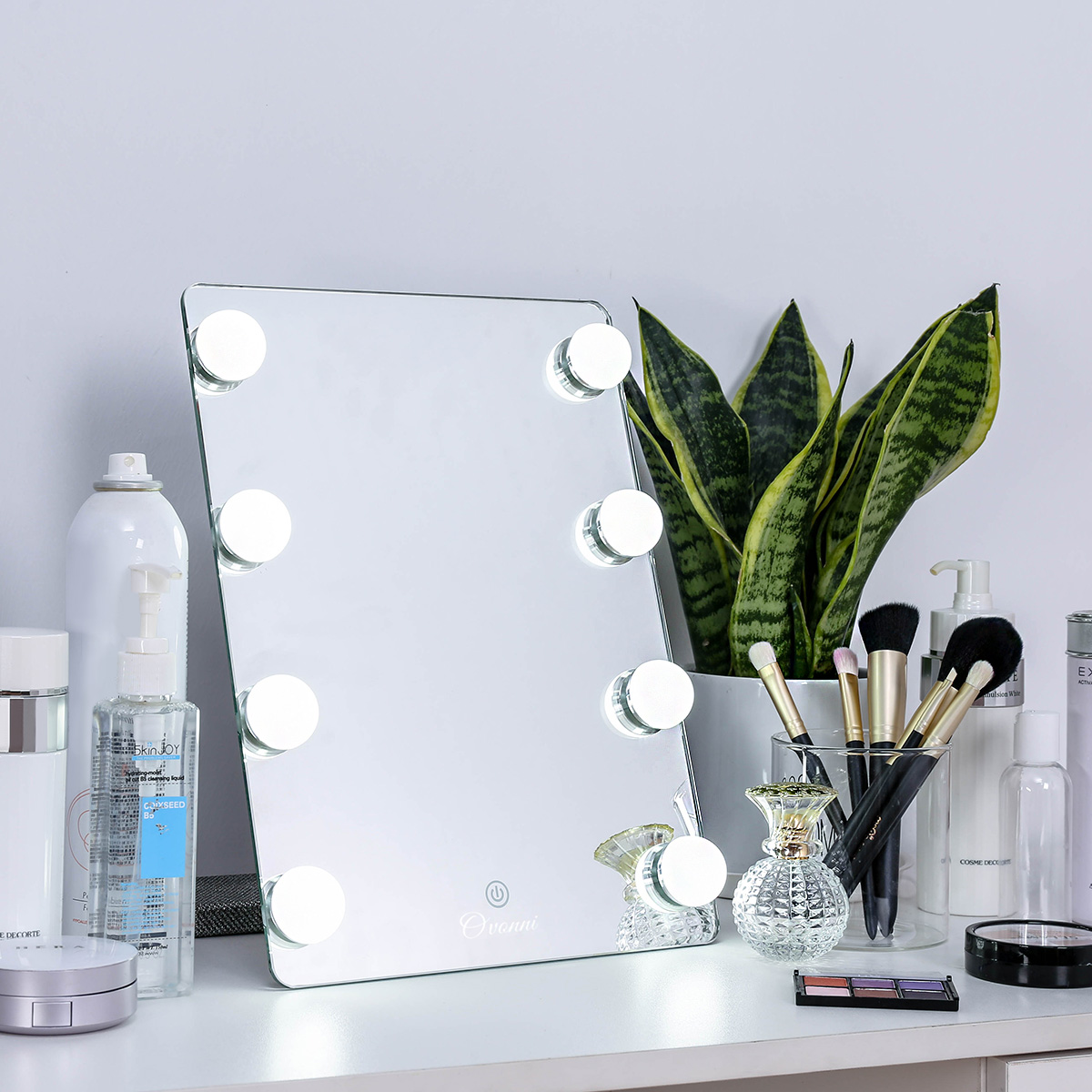 Touch Screen Makeup Mirror Professional Vanity Mirror With 8 LEDs Bulbs Dimmable Tabletop Touch Control Cosmetic Mirror mirror touch synaesthesia