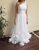 Новый одно плечо белый свадебное платье es 3d цветок аппликация минималистский невесты халат замужем де mariée классические свадебное платье в