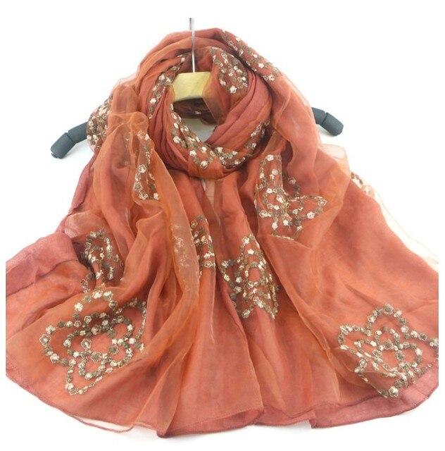 Vente chaude Livraison gratuite Broderie 2 couches coton écharpe Floral  Châle Pas Cher Silencieux Hijab Musulman 7ae6425d66e