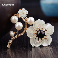 high quality 6cm Natural semi precious stones shell High grade shell brooches pins for women female folk style Handmade Flowers