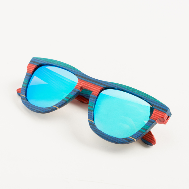 Retro Handmade Blue Colored wooden frame sunglasses Polarized women men sun glasses Beach Anti-UV eyeglasses for Driving
