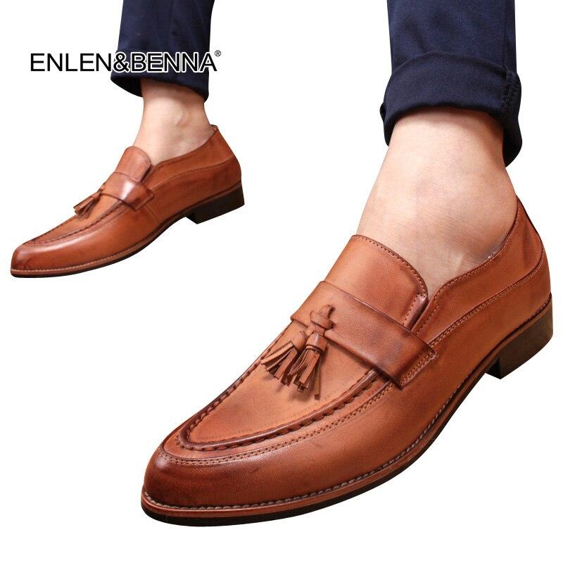2018 Anglia férfi cipő alkalmi hegyes lábujjak Vintage Őszi cipő bőr felvonó cipő Férfi Tassel ruha cipő zapatos de hombre