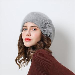 Image 2 - שכבה כפולה עיצוב חורף כובעי נשים כובע ארנב פרווה חם סרוג כובע גדול פרח כובע בימס 2018 כובעים חדשים