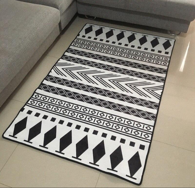 Small Europe Carpets Hallway Area Rugs Washable Mat Black White Rectangle Carpet Living Room Geometric Decoration Carpets