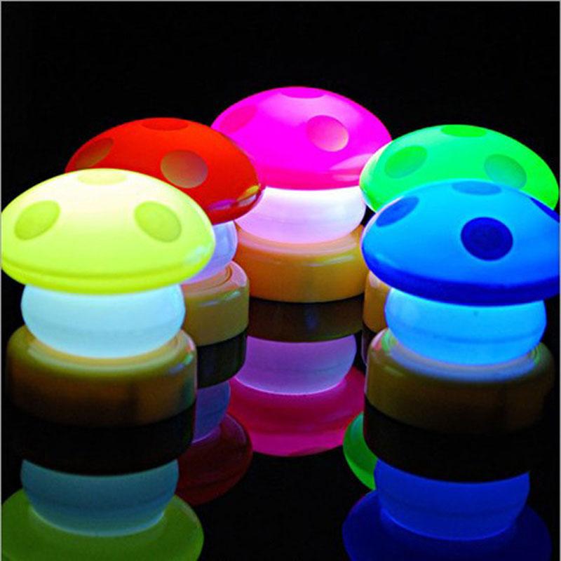 Fashion LED Mushroom Night Light Color Changing Light Sensor Bedside Lamp Baby Child Sleeping Luminous Toy Gift lamp80414