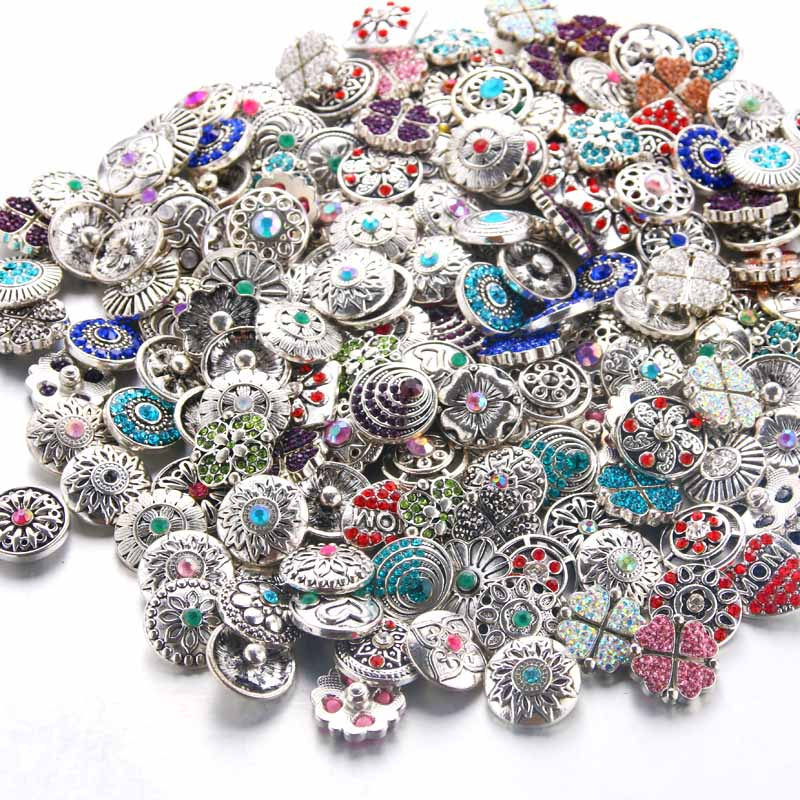 50pcs/lot High Quality Mix Many Rhinestone Styles Metal Charm 18mm Snap Button Bracelet For women DIY Snap Button Jewelry 0063
