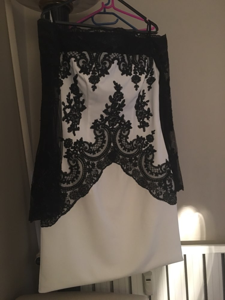 Courte mère de la mariée robes ivoire robes avec dentelle noire Appliques hors épaule manches longues mère robes formelles - 5