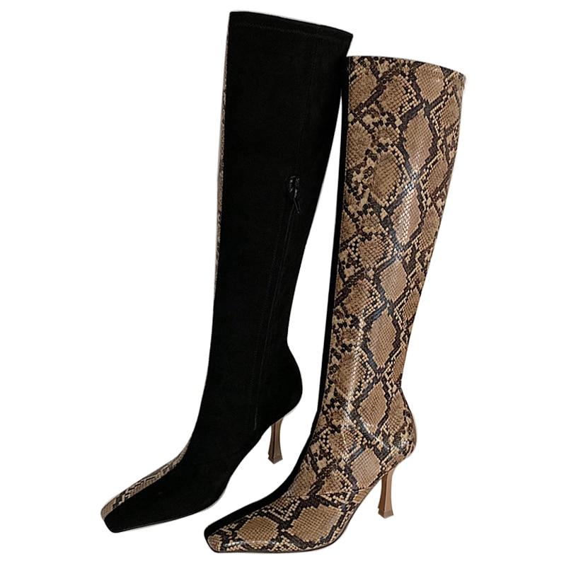 سيلا الحكام 2018 الأفعى الجلد الربط الركبة عالية التمهيد للمرأة الأزياء مربع اصبع القدم رقيقة كعوب أحذية طويلة امرأة Zapatos دي موهير-في بوت للركبة من أحذية على  مجموعة 2