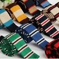Stripe Clássico dos homens Malha Gravata Magro Gravatas Finas de Malha Gravata do Noivo Festa de Casamento Buniness ZZLD301-320