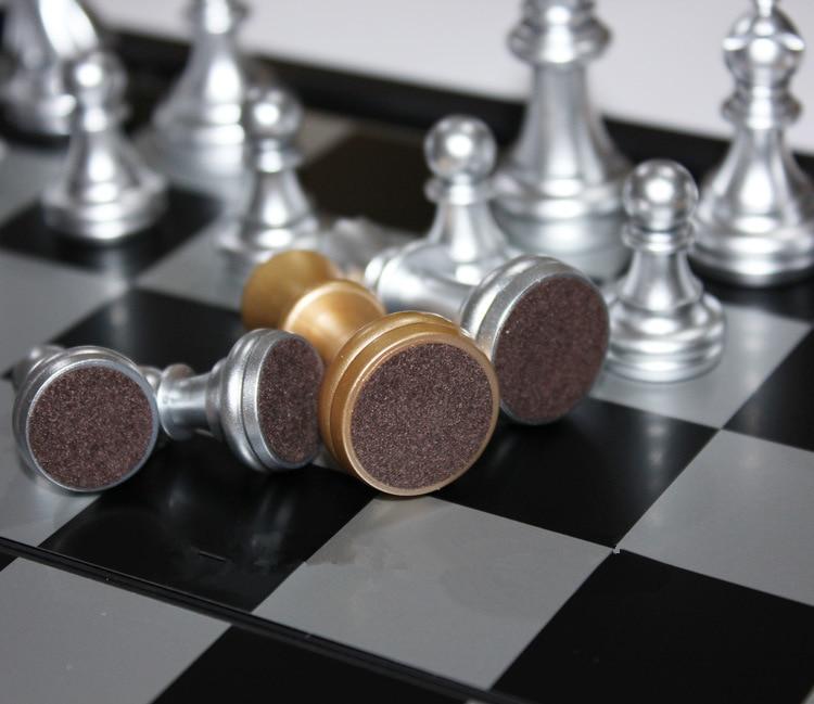 Ajedrez Magnético Plegable Piezas Doradas y Plata