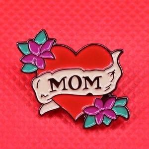 Эмалированная булавка для мамы, брошь в форме цветка, красное сердце, романтическая татуировка, ювелирное изделие, подарок на день матери