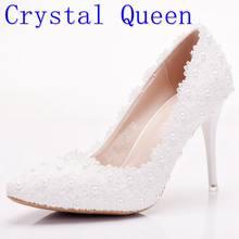 8c4bfa2995 Crystal Queen blanco dulce flor mujeres bombas tacones altos plataforma de encaje  perlas zapatos de boda novia zapatos la altura.