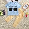 2016 Verano Fresco Más Nuevo Del Bebé infantil Chicos Ropa Trajes Cielo Azul de Cristal de Impresión de manga Corta T-shirt Top + Pantalones Amarillos conjunto 1-5Y
