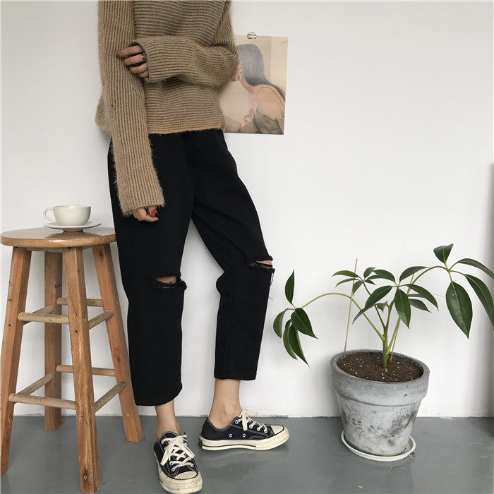 18 Summer Style Black White Hole Ripped Jeans Women Straight Denim High Waist Pants Capris Female Casual Loose Jeans 13