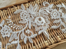2Pieces 29.5X11cm Wholesale Wedding Flower Sewing Material French DIY Bridal Embroidered Lace Applique TT487
