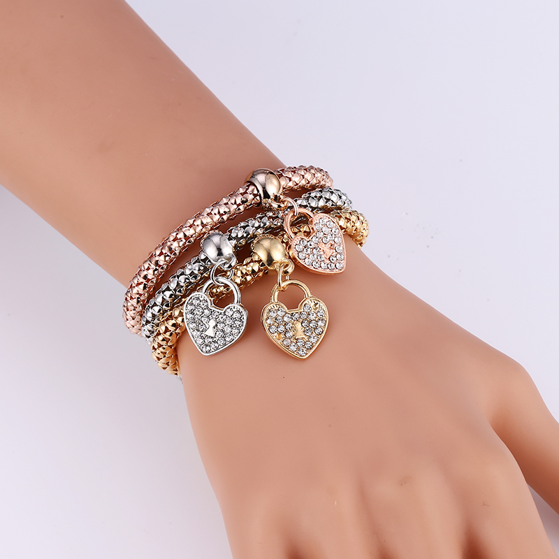 2019 Europe And America New Trendy Punk 7 Style Crystal Skull Bracelet Bangle 3PCS Women Exquisite Bracelets Set Jewelry Gifts in Chain Link Bracelets from Jewelry Accessories