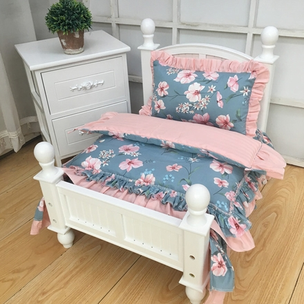 Country style wood dog bed Solid wood pet bed White bed and bedding with various patterns Sturdy and beautiful