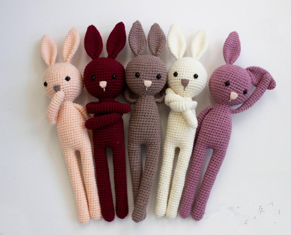 Free Amigurumi Patterns: Pretty bunny amigurumi in dress | 775x960
