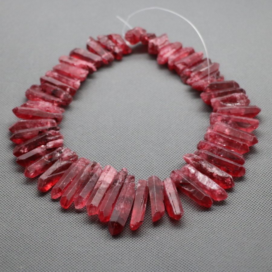 Approx 50pcs/strand Natural Raw Red Quartz Crystal Point Pendant Rough Top Drilled Spike Gem Beads Crystal Necklace
