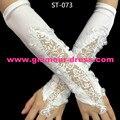 O Envio gratuito de Atacado Fábrica de Marfim Luvas De Noiva 2016 Luvas Nova Chegada Luvas de Renda Branca Para casamentos Luvas Sem Dedos ST-073