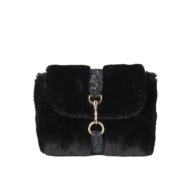 women messenger bags winter chain crossbody bag fur bag charm female plush  clutch handbag fashion small party sac a main 2017-in Shoulder Bags from  Luggage ... 13b573485c1b7