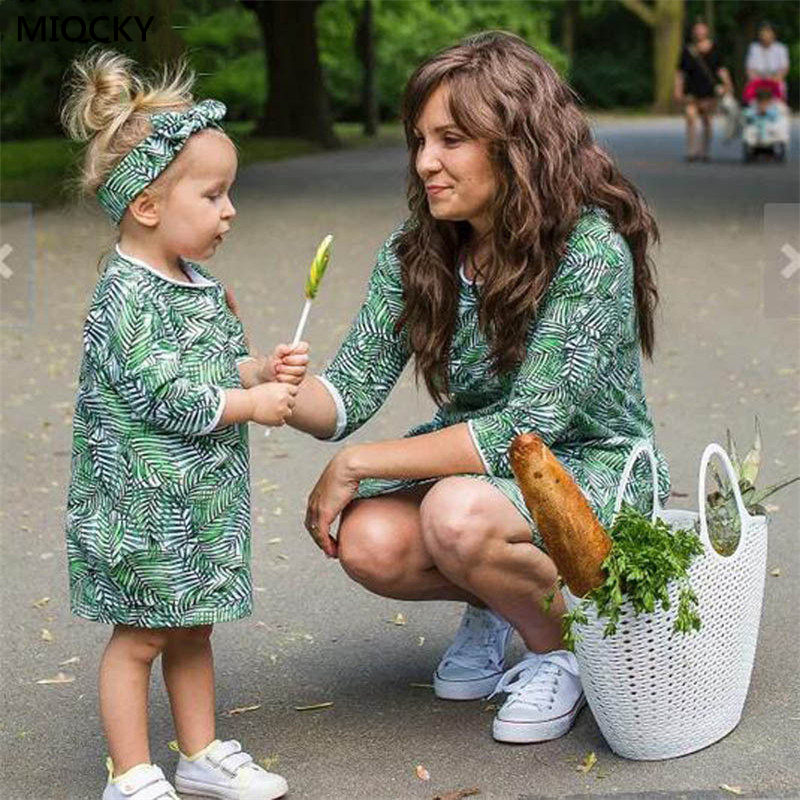 2019 Household Matching Outfits Floral Gown Mom Daughter Clothes Girls Clothes Youngsters Garments Mother Daughter Household Clothes E15 Matching Household Outfits, Low-cost Matching Household Outfits, 2019 Household Matching Outfits...