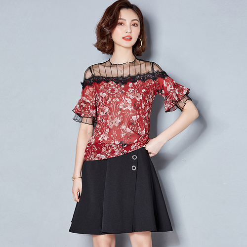 J40718 New Arrival 2018 Summer All Match Lace Patchwork Floral Printed Chiffon Basic Shirt-in T-Shirts from Women's Clothing
